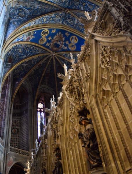 basilica de albi coro e estatuas