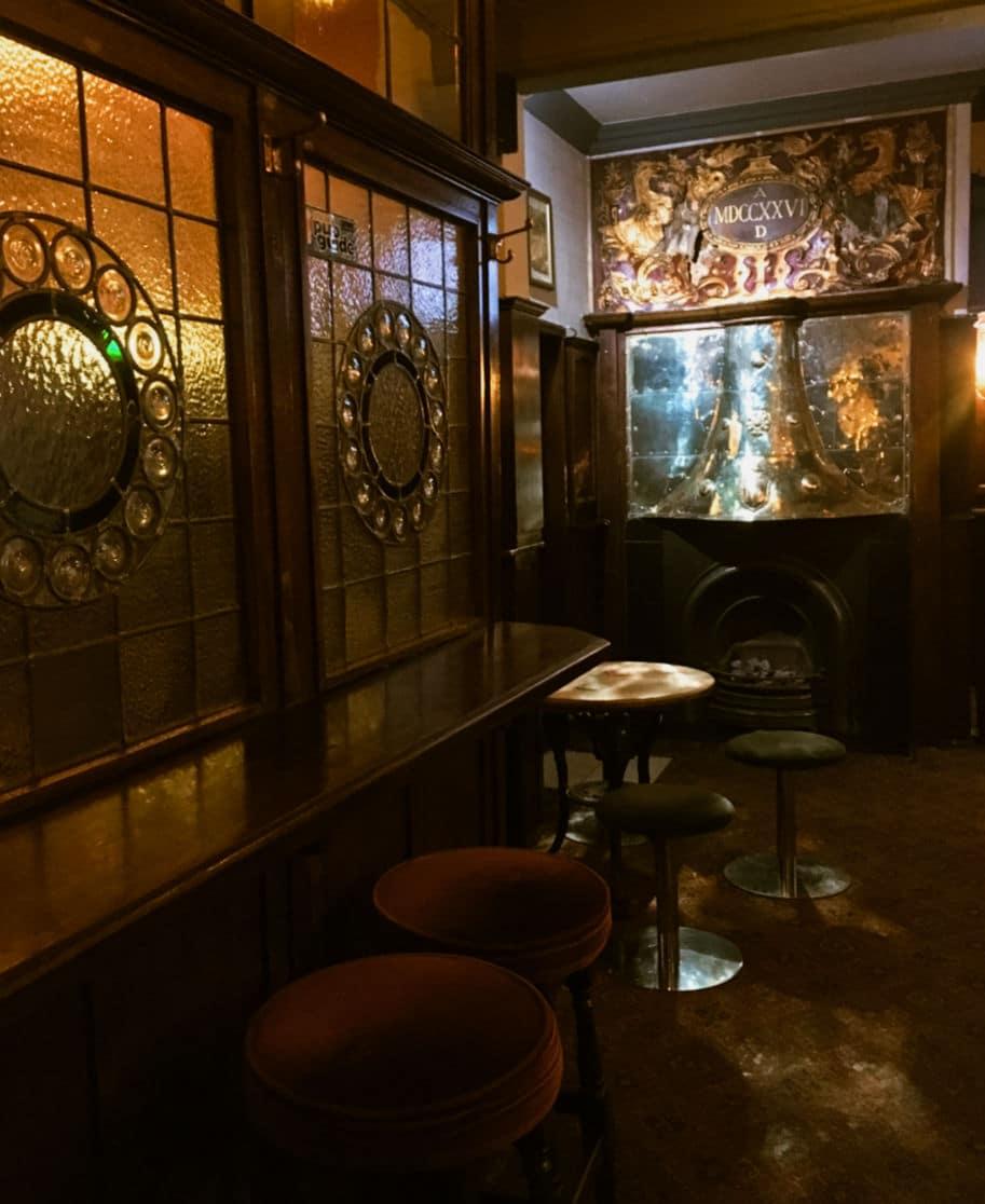 interior de um pub historico