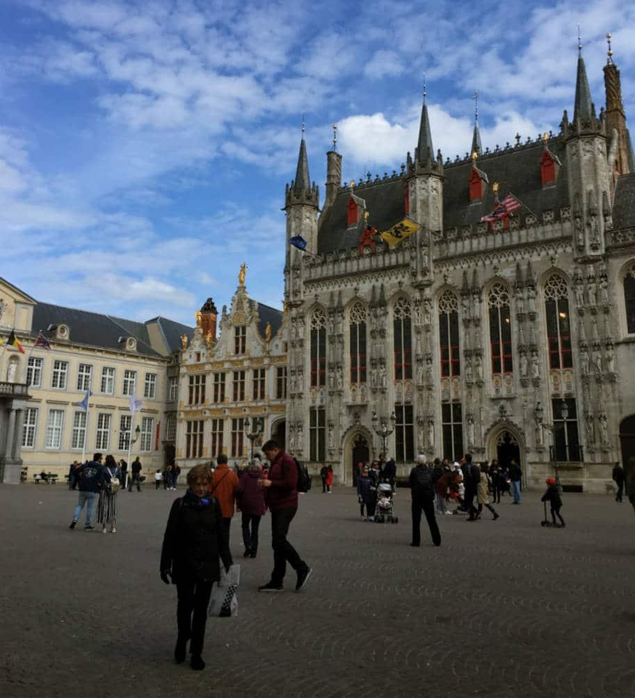 Praca Burg em Bruges
