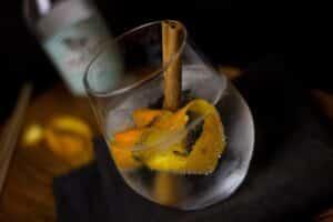 A hora é do Gim: a estranha história da bebida do momento