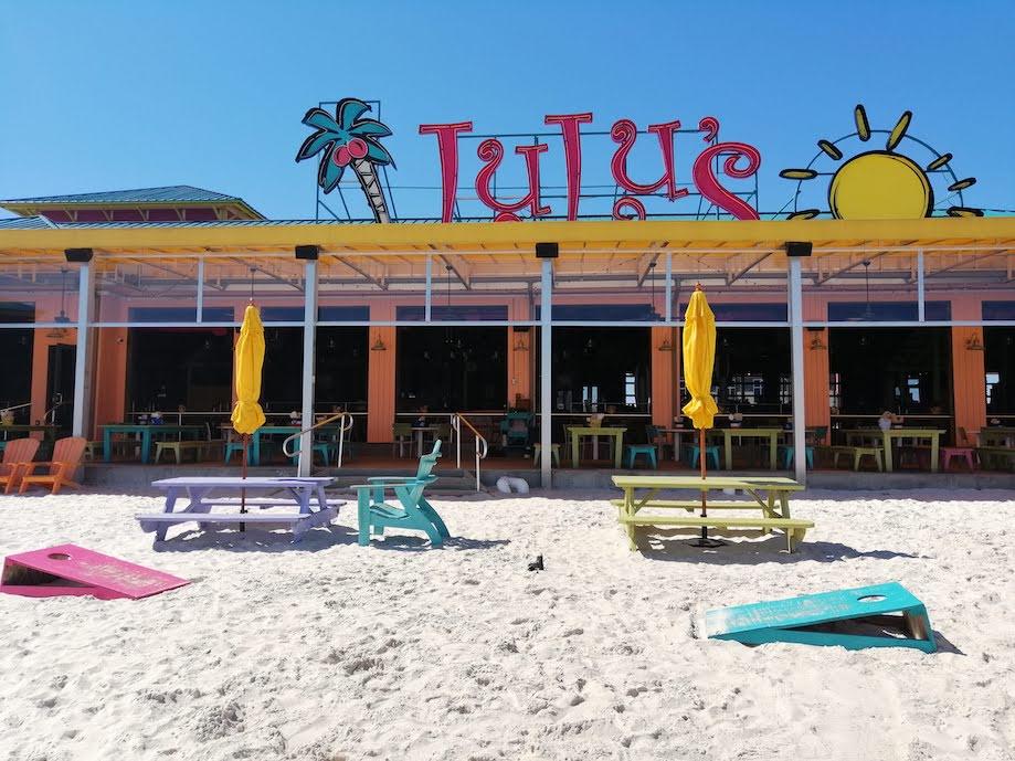 Fachada do restaurante Lulu's, em Destin, Florida
