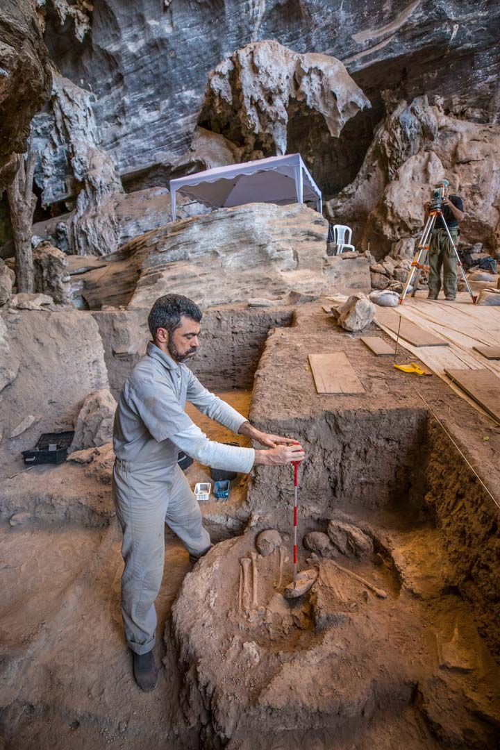 Arqueólogos determinam coordenadas no campo