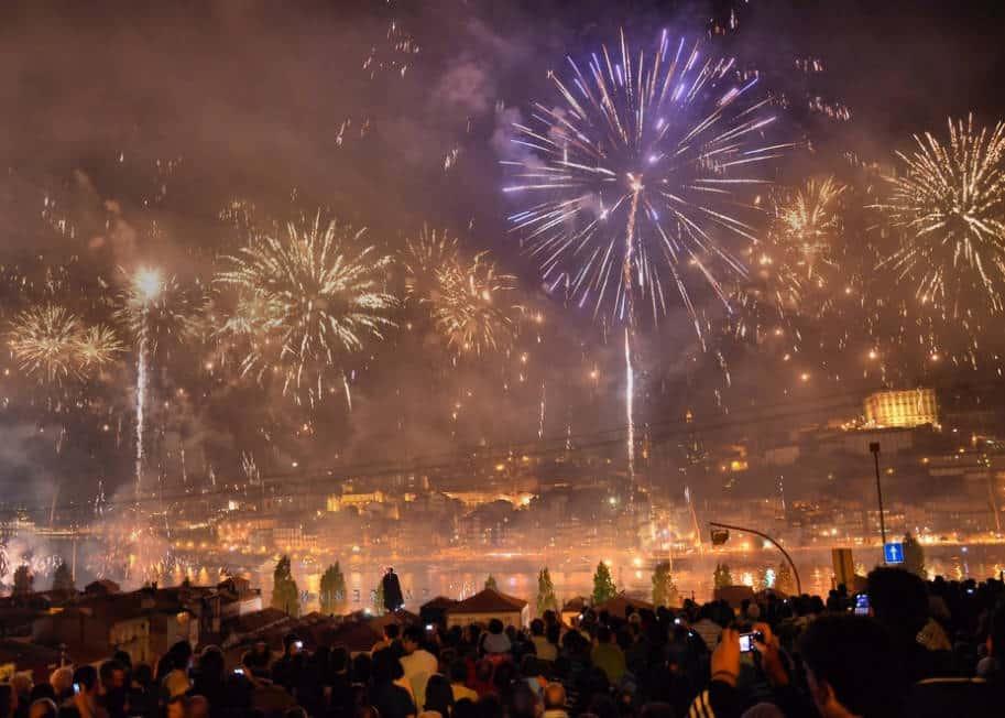 fogos de artificio na ribeira sao joao