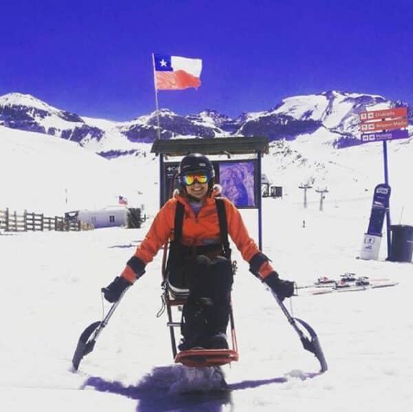 cadeirante na neve em santiago