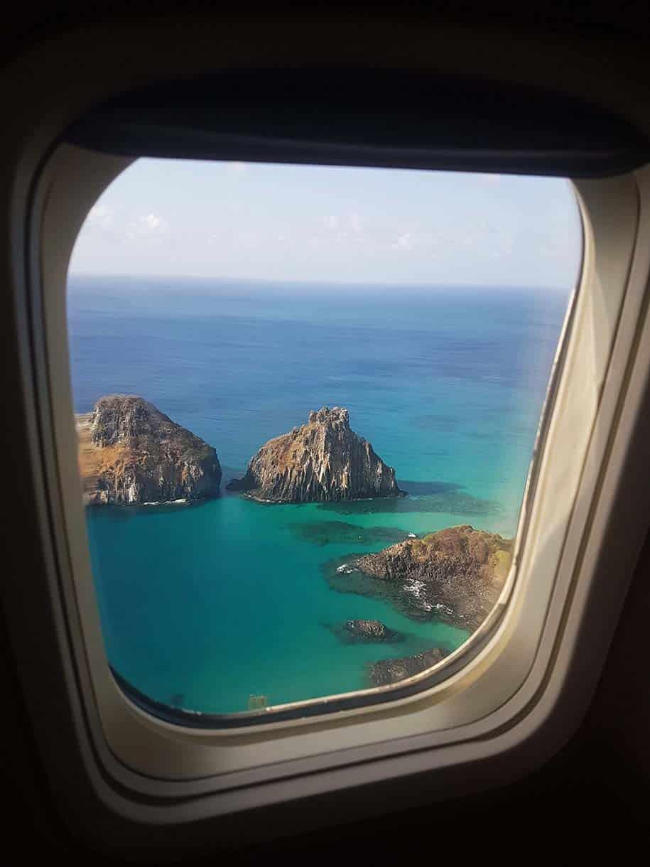 noronha vista da janela do avião