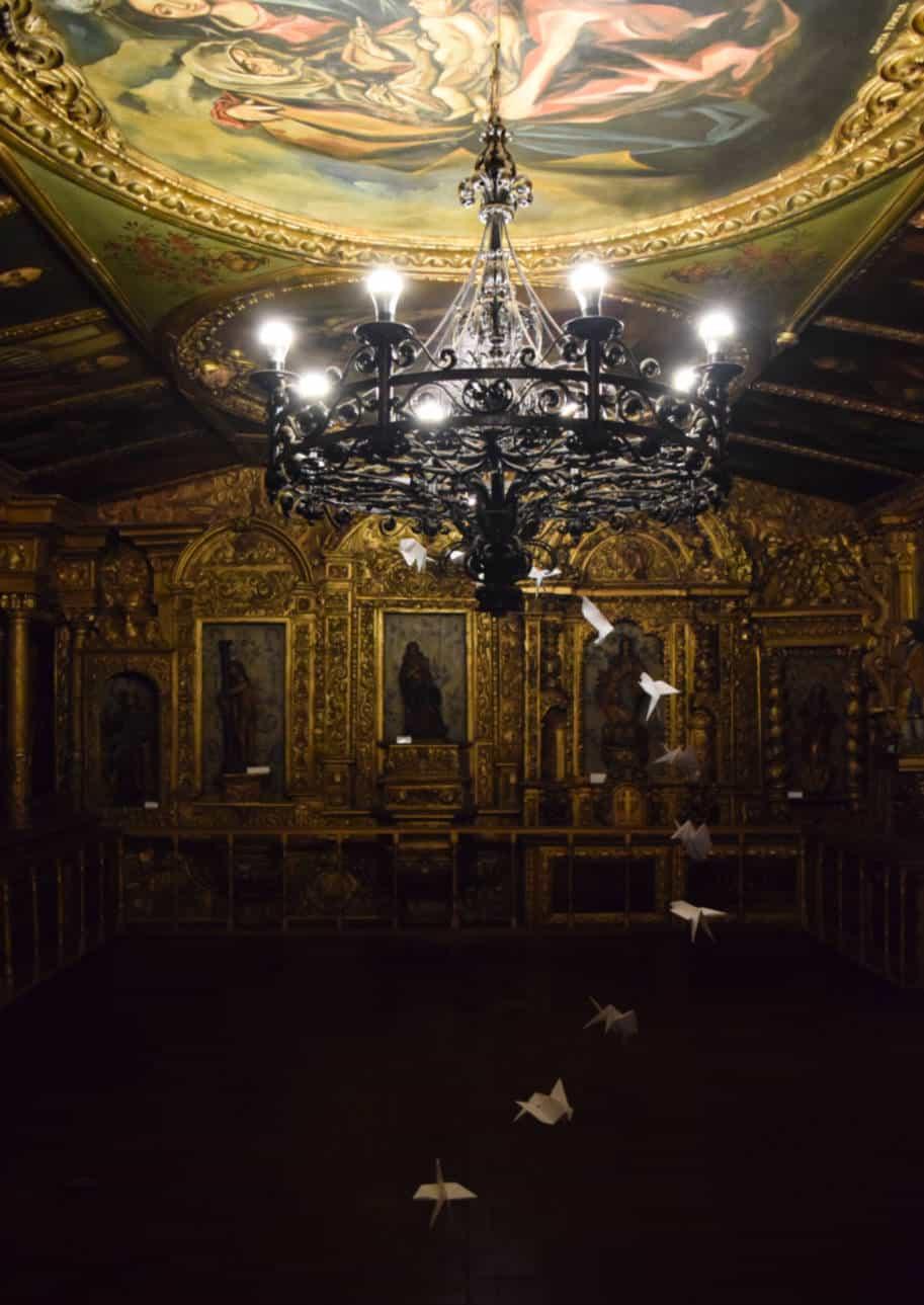 sala de arte sacra no museu de lamas