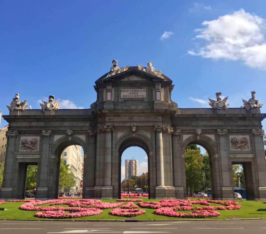 Puerta de Alcala em Salamaca Onde ficar em Madrid