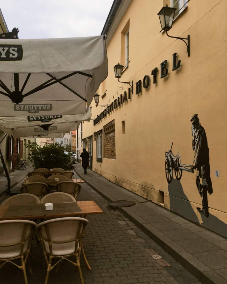 ruas do centro historico de vilnius lituania