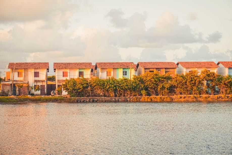 Casas na ilha de Deus