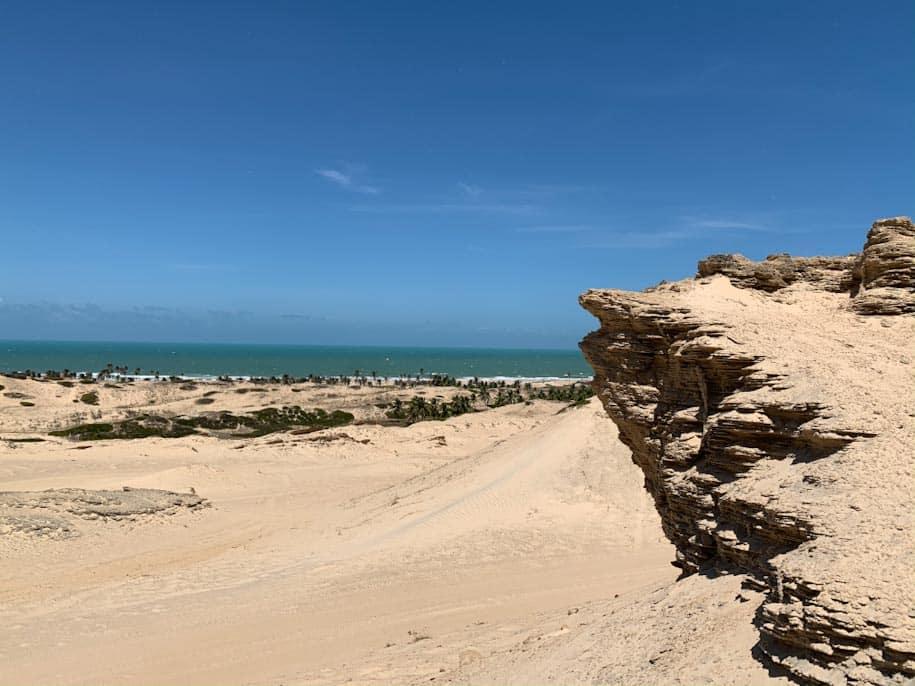 praia flecheiras pedra da india ceara dunas mar