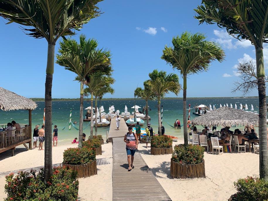 Alchymist Beach Club, na Lagoa do Paraíso, em Jericoacoara lagoa