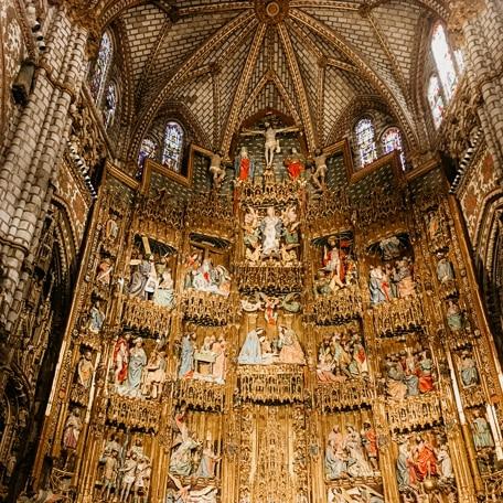 detalhes do altar da catedral da toledo espanha