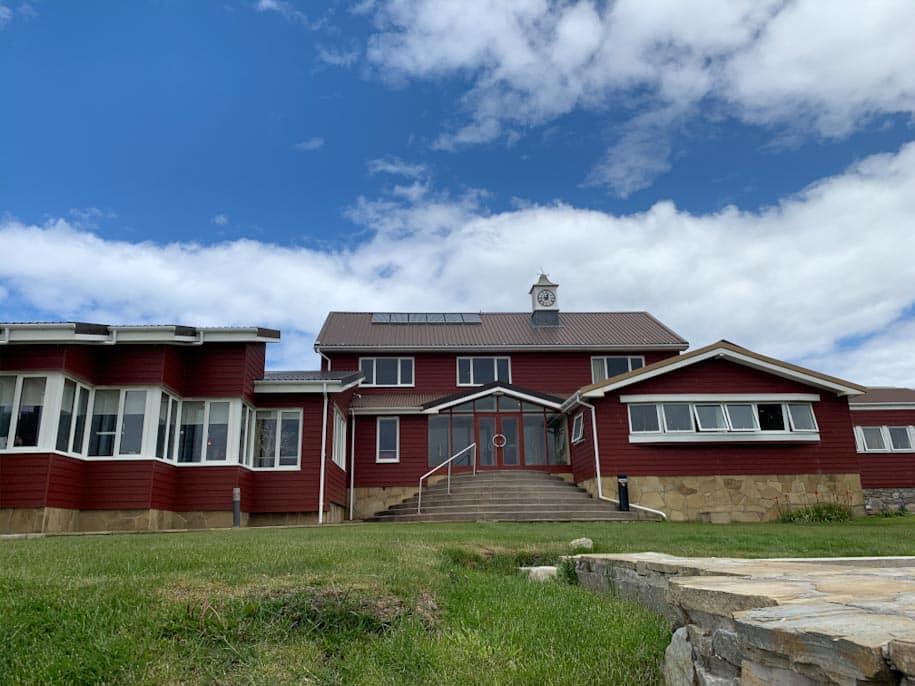 fachada malvina house ilhas malvinas stanley