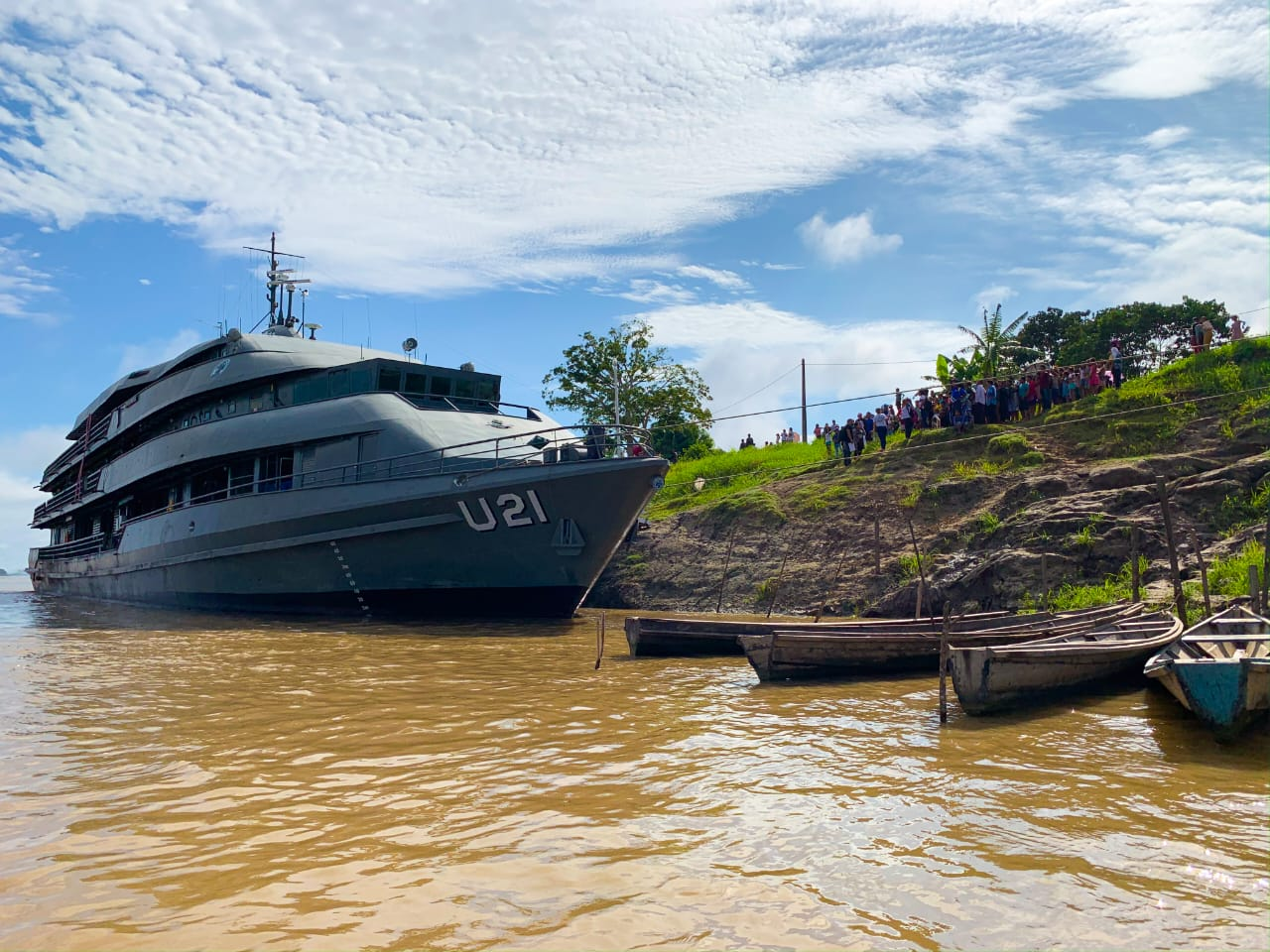 navio marinha atracado no amazonas