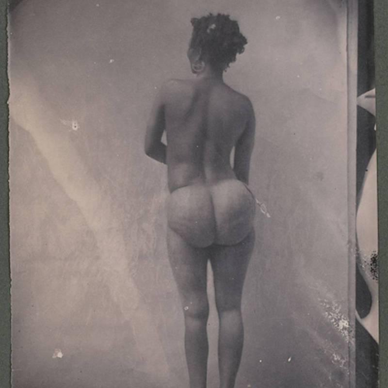 Zoológicos Humanos - Stinee, uma mulher da tribo Khoisa, com as nadegas hipertrofiadas como a Vênus de Hotetonte