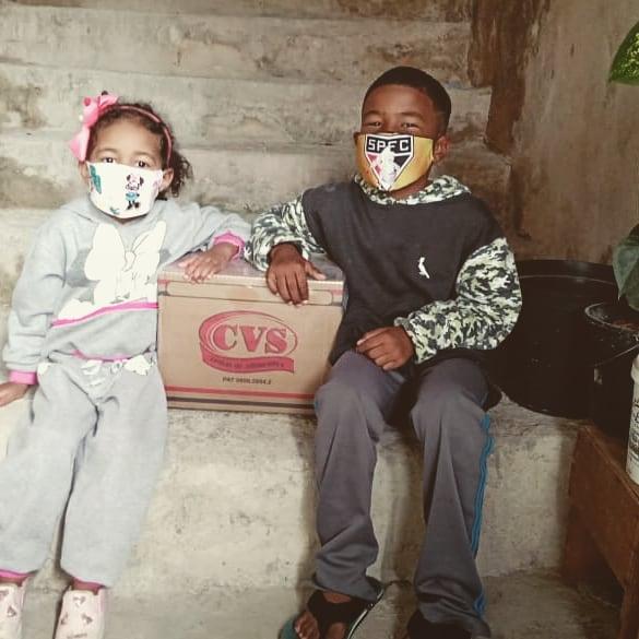 doações crianças de mascara natal pandemia Projeto Caixa de Sapato