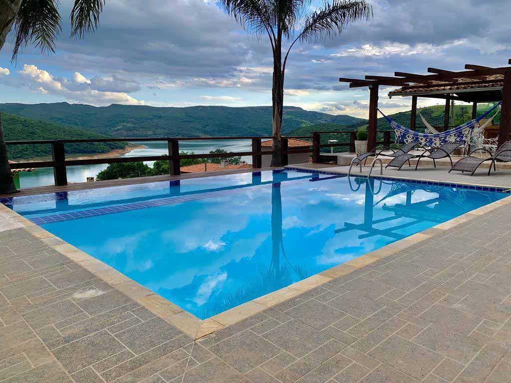 casa com piscina para alugar em capitólio