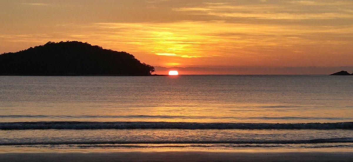 Airbnb Ubatuba: casas na praia para aluguel de temporada