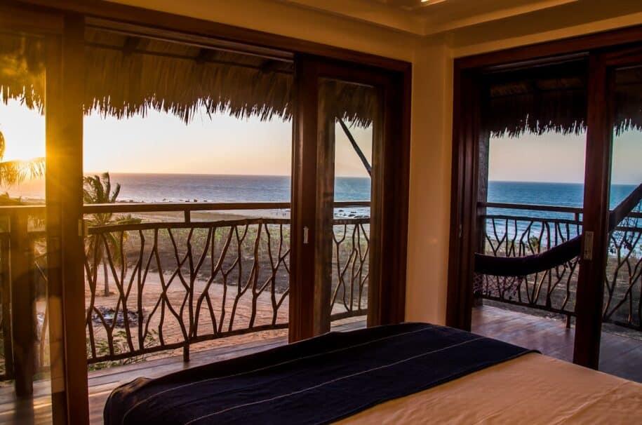 quarto com vista pra praia