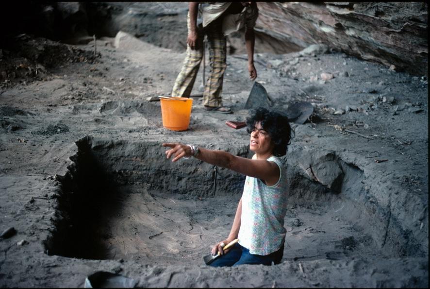 escavação arqueologica na serra da capivara niede guidon