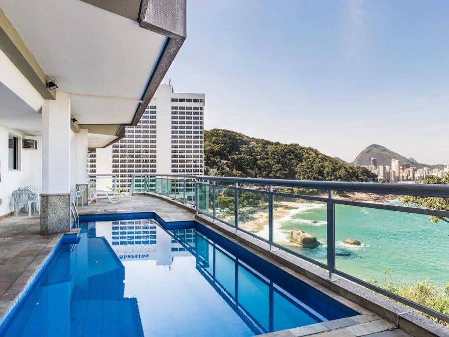 apartamento com piscina privativa na praia do leblon no rio de janeiro